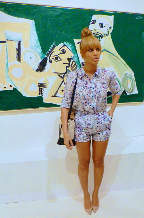 01-Beyonces-Miami-Art-Basel-Emma-Cook-Silk-de-Chine-Floral-Printed-Button-Down-and-Shorts